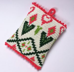 Scented pillow tapestry crochet